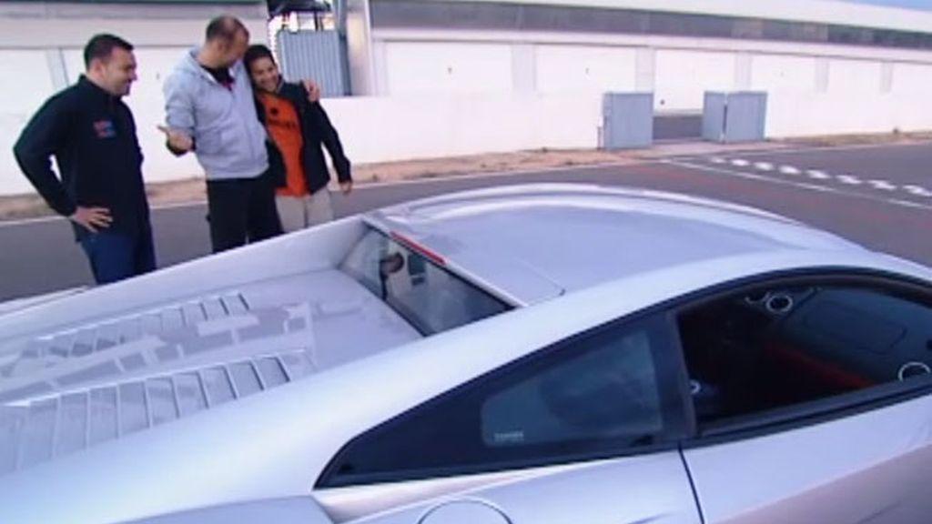 Manuel, al volante de un Lamborghini