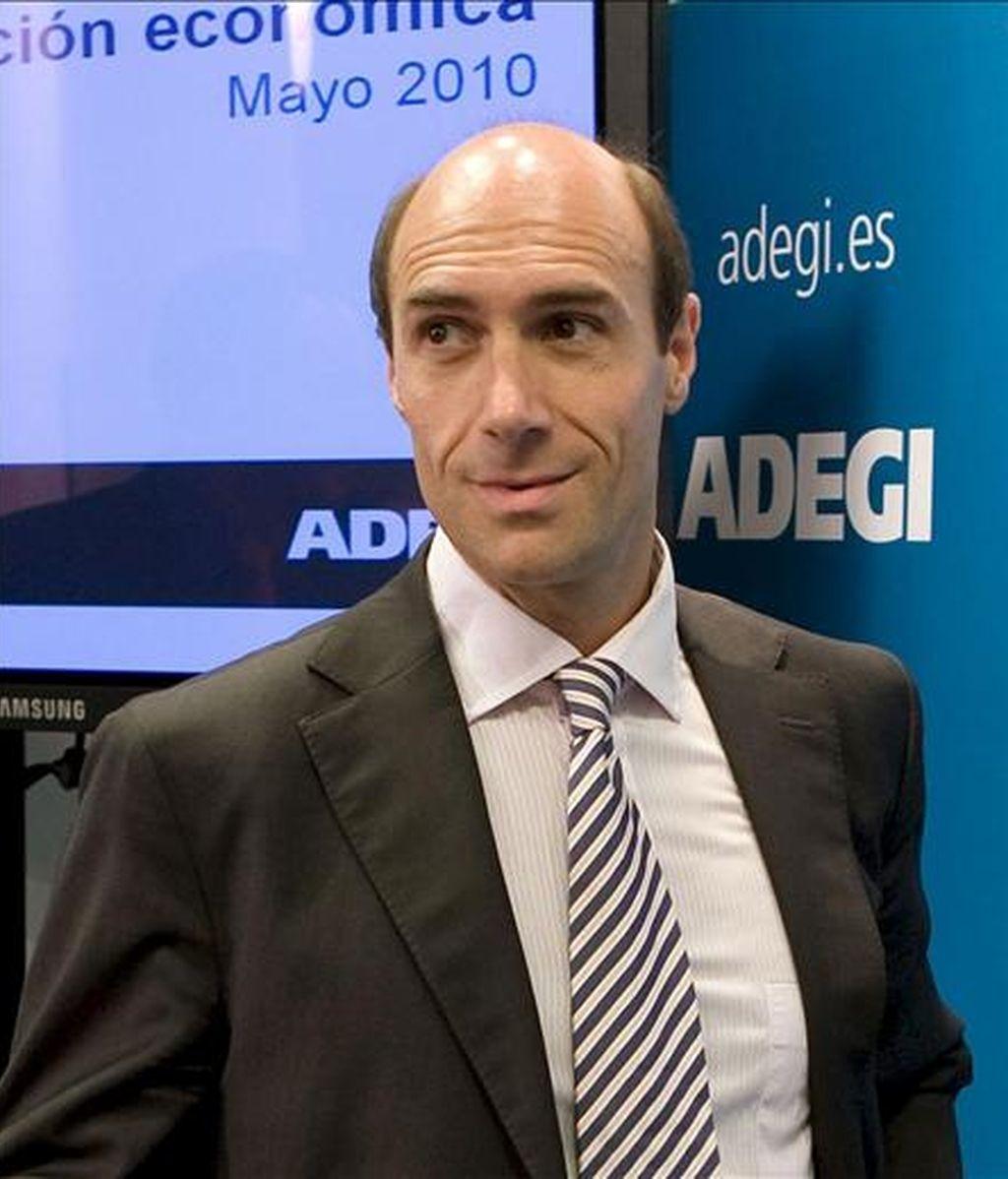El presidente y el secretario general de Adegi, Eduardo Zubiaurre. EFE/Archivo