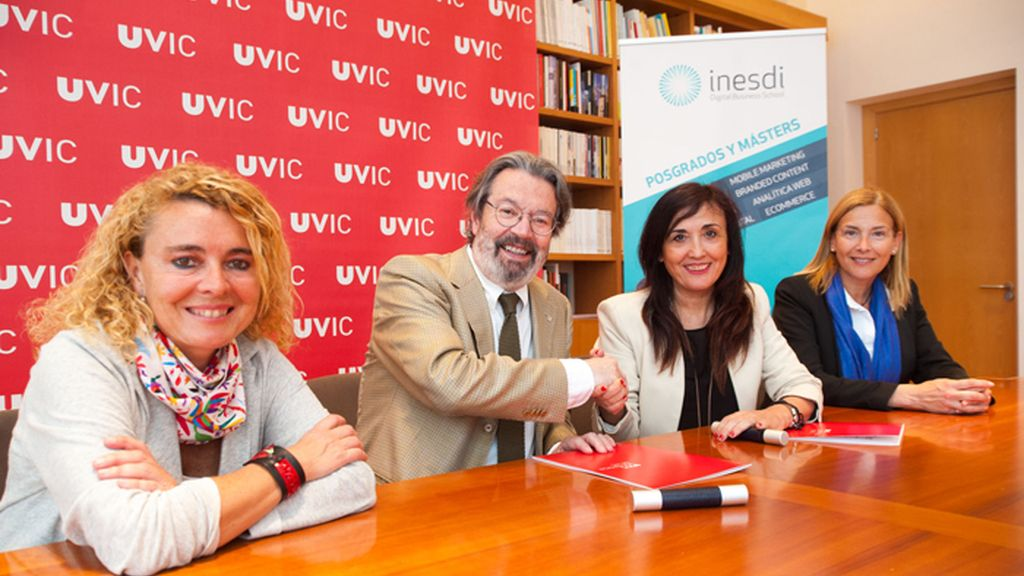 La Universidad de Vic e INESDI Digital Business School firman un acuerdo de colaboración