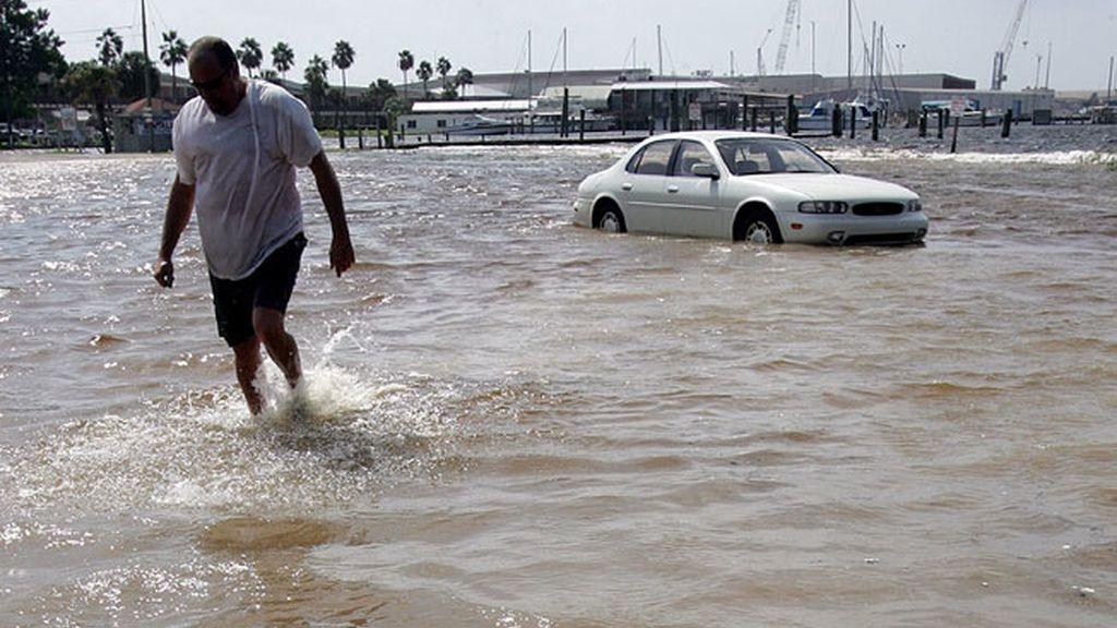 El huracán Isaac llega a Luisiana