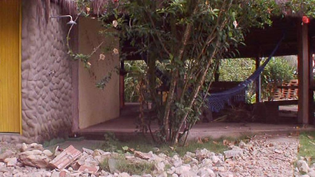 La posada antes de su reconstrucción, llena de escombros