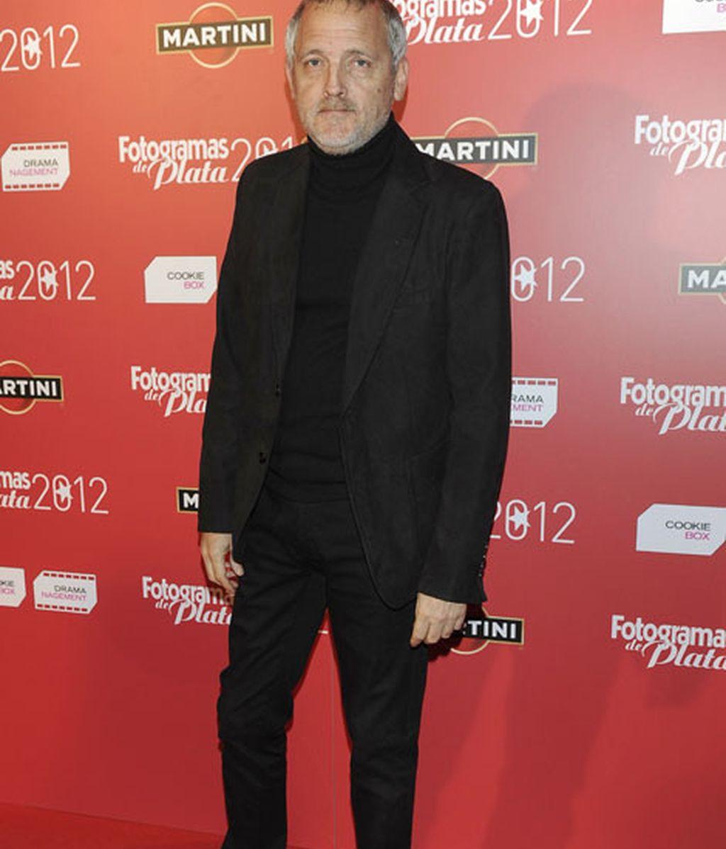 Jordi Rebellón se une al look del negro