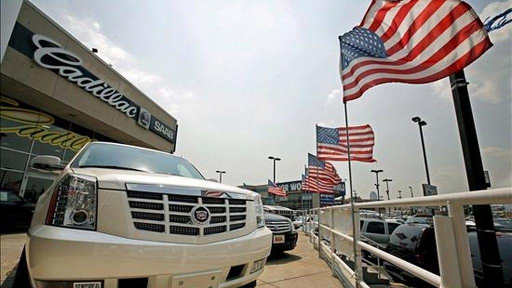 Los fabricantes de automóviles en Estados Unidos darán a conocer este miércoles las cifras de ventas en marzo, entre previsiones de que la demanda se redujo un 40% durante este mes. EFE/Archivo