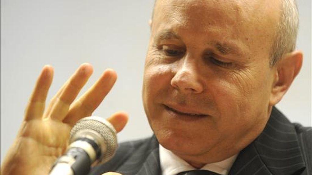 """El ministro de Hacienda de Brasil, Guido Mantega, declaró: """"No deberíamos permitir una guerra de divisas, lo mejor que podemos hacer es llegar a acuerdos para no perjudicar el libre comercio."""". EFE/Archivo"""