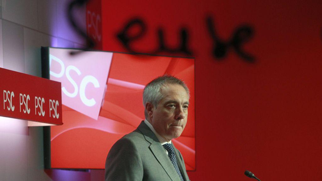 """Navarro dimite como líder del PSC para contribuir a """"cambios profundos"""""""