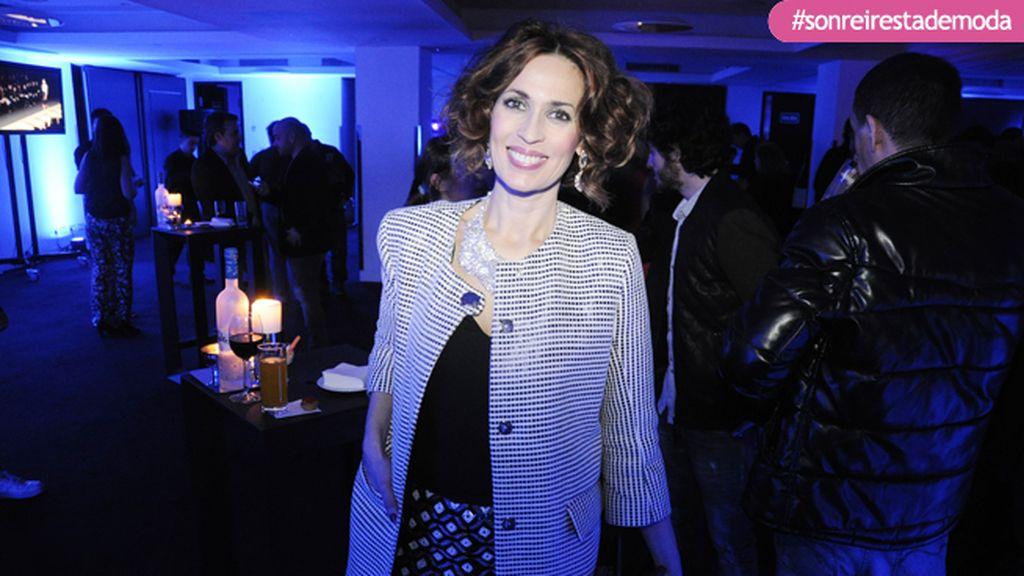 La actriz Lola Marceli disfrutando de la noche en el Hotel ME
