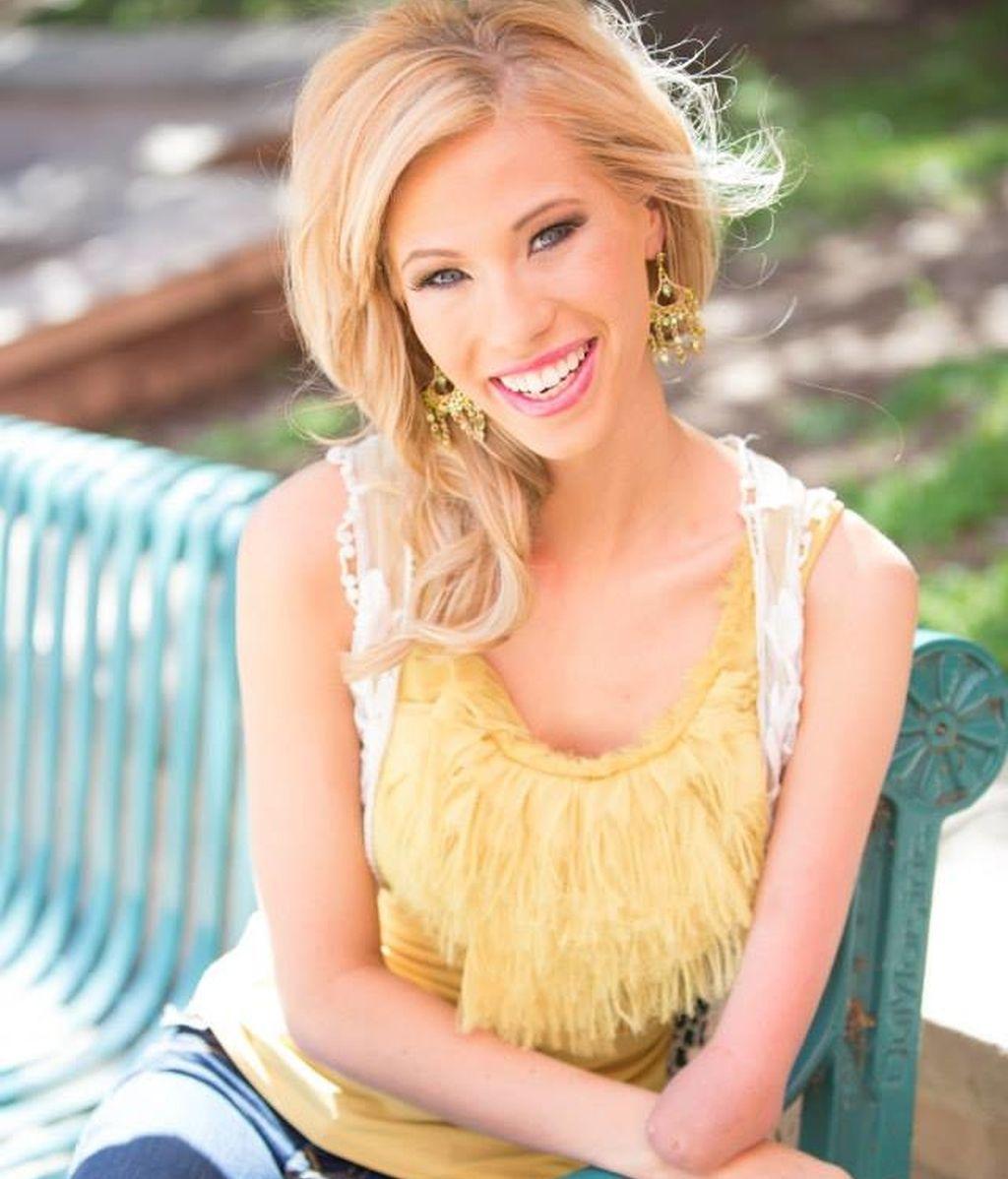 Nació sin un brazo y se ha convertido en Miss Iowa 2014