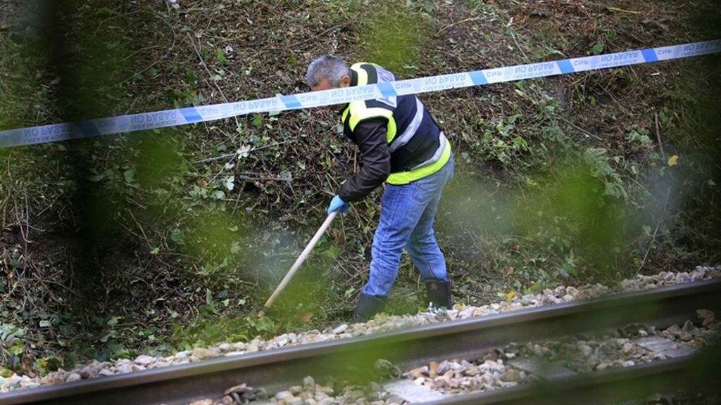 La policía busca pruebas para identificar al niño hallado muerto en Ovied0