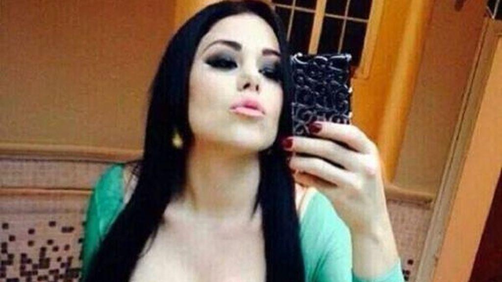 La 'Emperatriz de los Ántrax'revoluciona las redes sociales con su 'selfies'eróticos