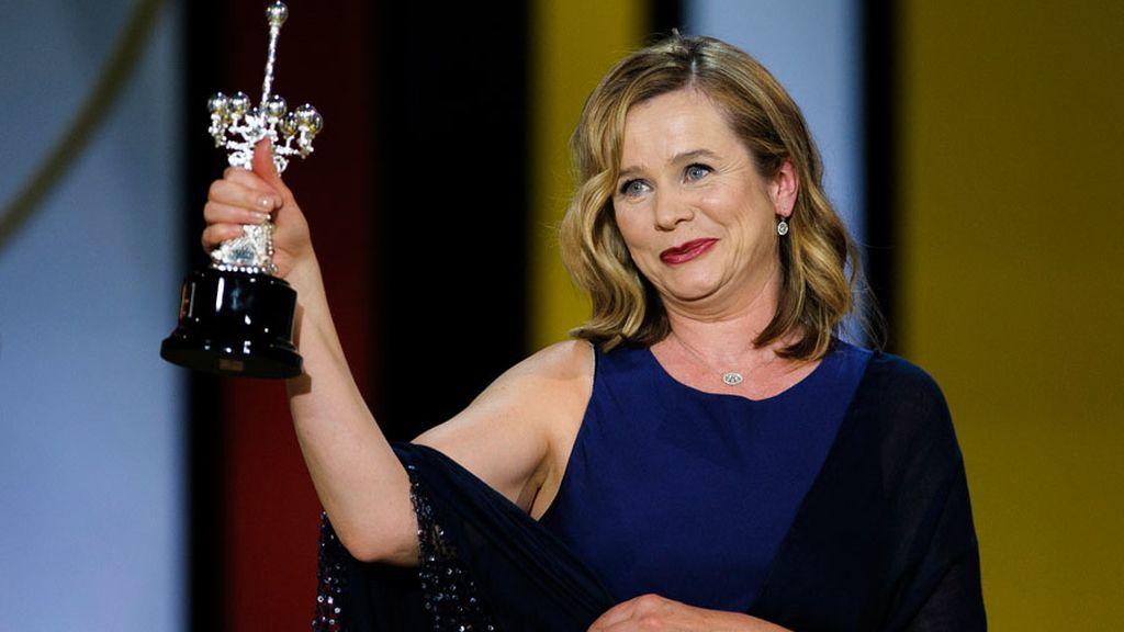 """Emily Watson recibe el Premio Donostia y celebra """"el privilegio de interpretar vidas interesantes"""""""