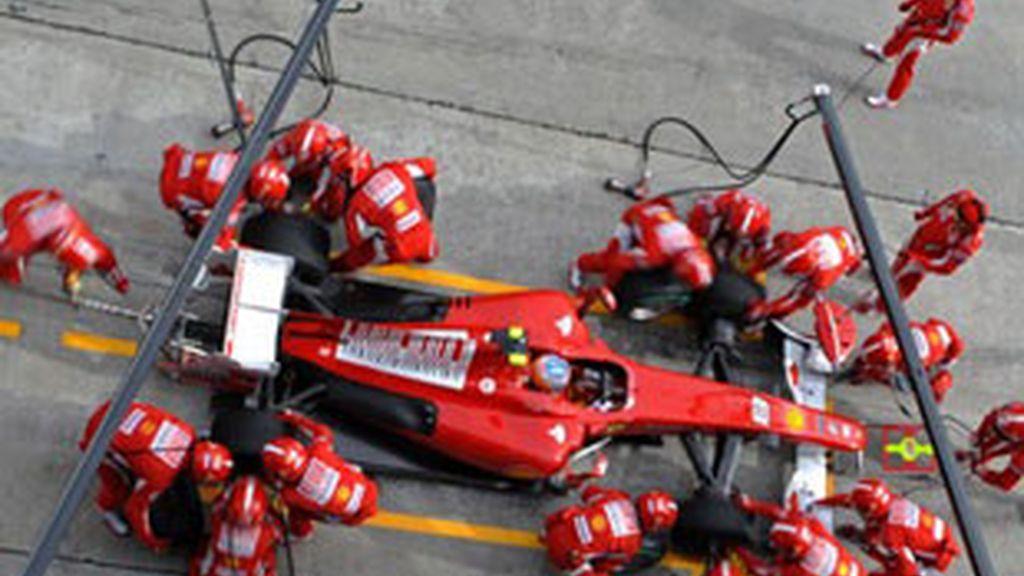 Alonso está teniendo problemas de motor. Foto: Archivo.