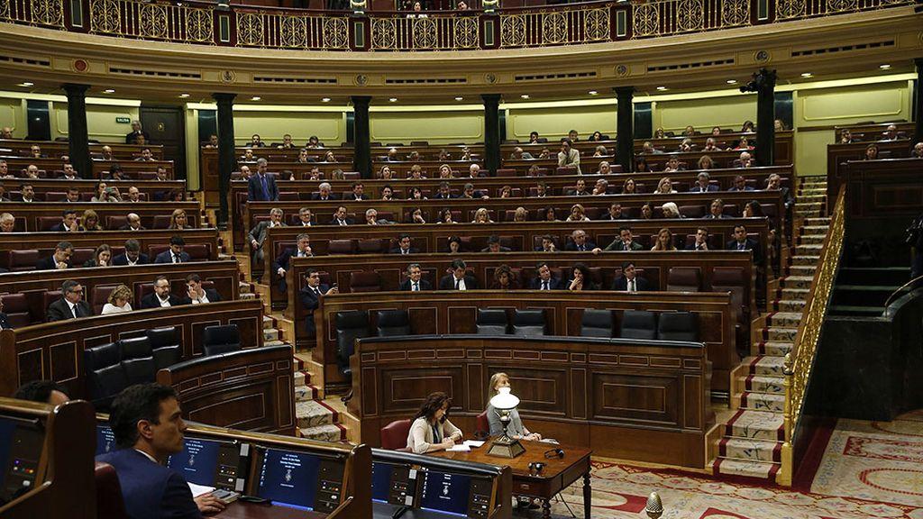 """La oposición dice que las """"pellas"""" del Gobierno en el Congreso son el """"epitafio"""" de Rajoy"""