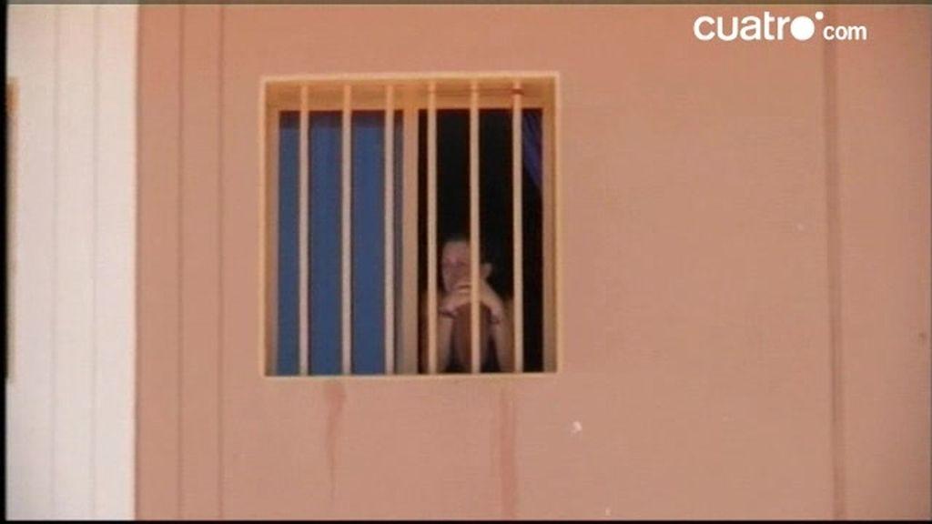 Cárcel. Con una presa en aislamiento