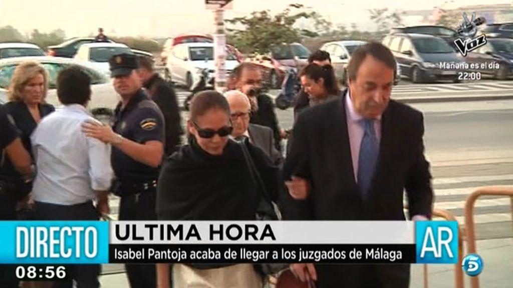 Isabel Pantoja ha sido la primera en llegar a la Audiencia de Málaga