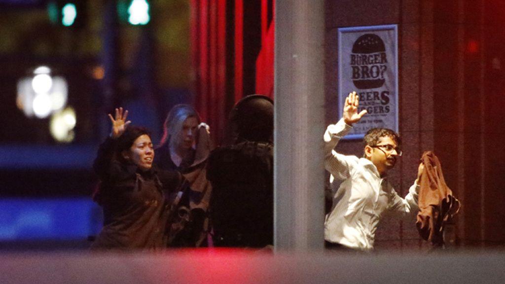 La policía australiana declara concluído el secuestro del café de Sídney