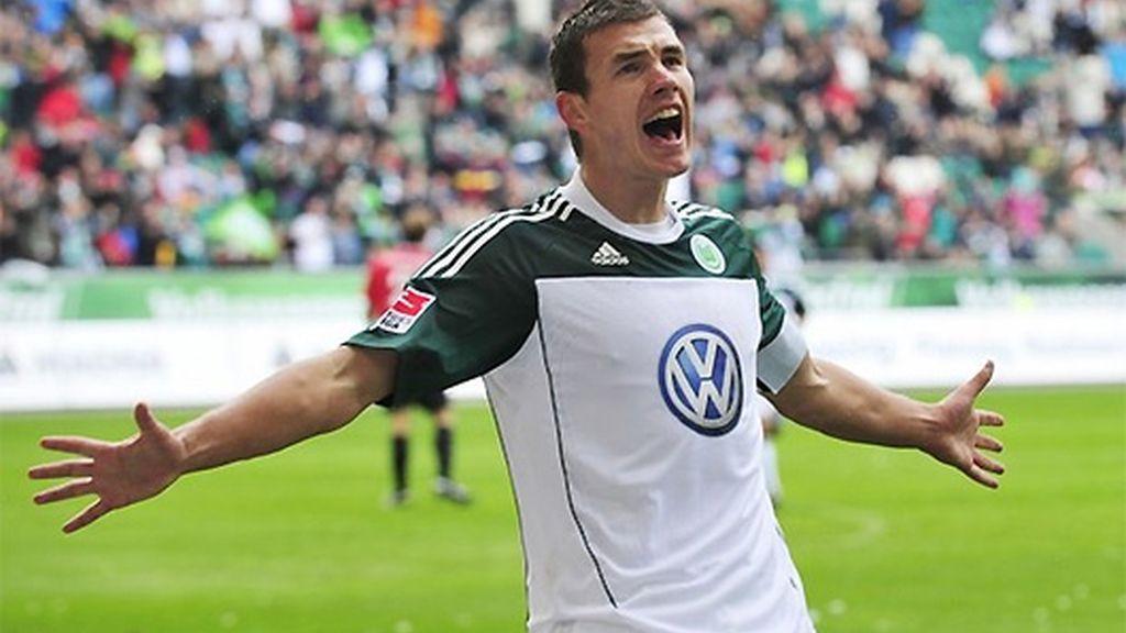 Dzeko es la estrella del Wolfsburgo y un valor al alza por su juventud, su calidad y su capacidad goleadora. FOTO: Archivo.
