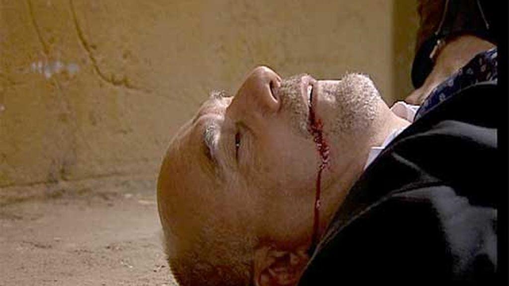 La Roca descubre que su tío mandó matar a su padre