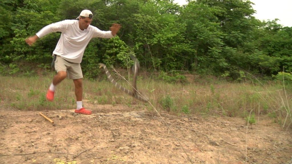 Frank de la Jungla rescata a un leopardo en propiedad de una mafia animal