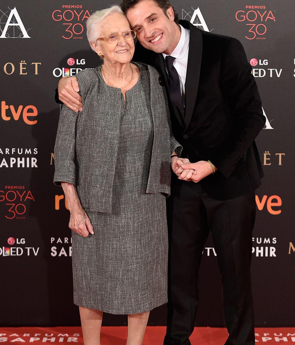 Antonia Guzman junto a su nieto, el director Daniel Guzman