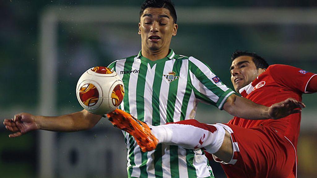 Reyes marcó el primer gol del partido en el Villamarín