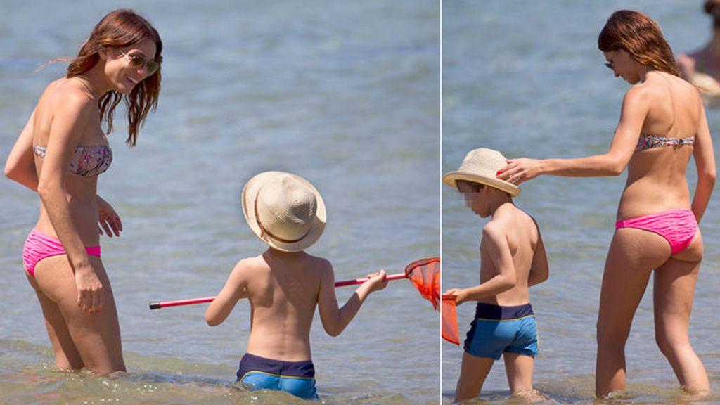 Raquel Jiménez se divierte en Ibiza junto a su hijo