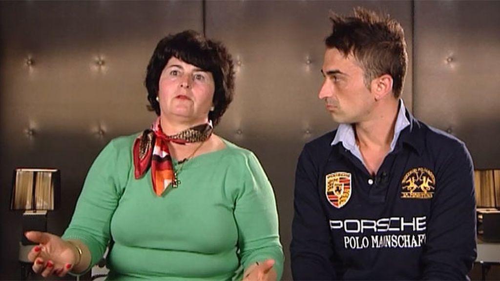 Fran busca a una mujer ardiente pero su madre solo quiere que sea su mujer
