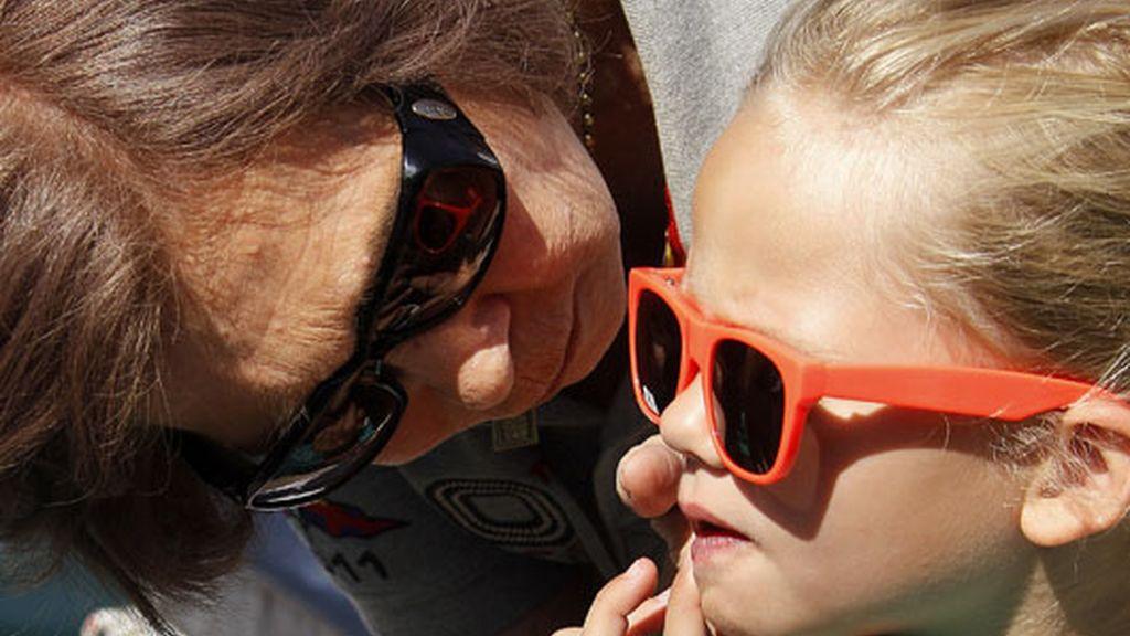 La Reina muy tierna con su nieta Irene