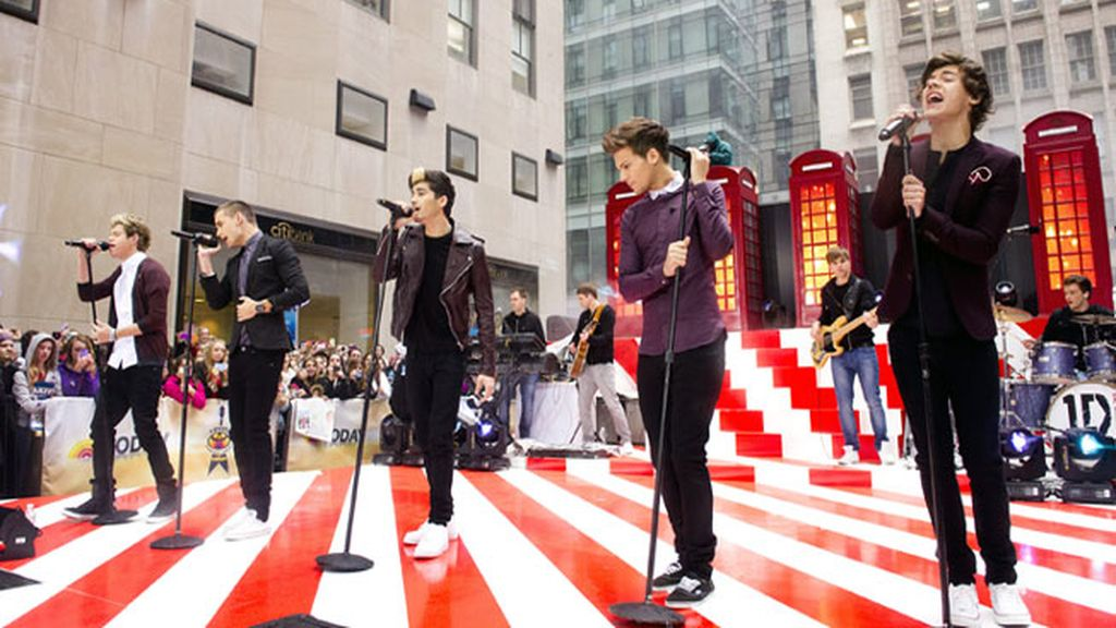 One Direction actúa en pleno Nueva York