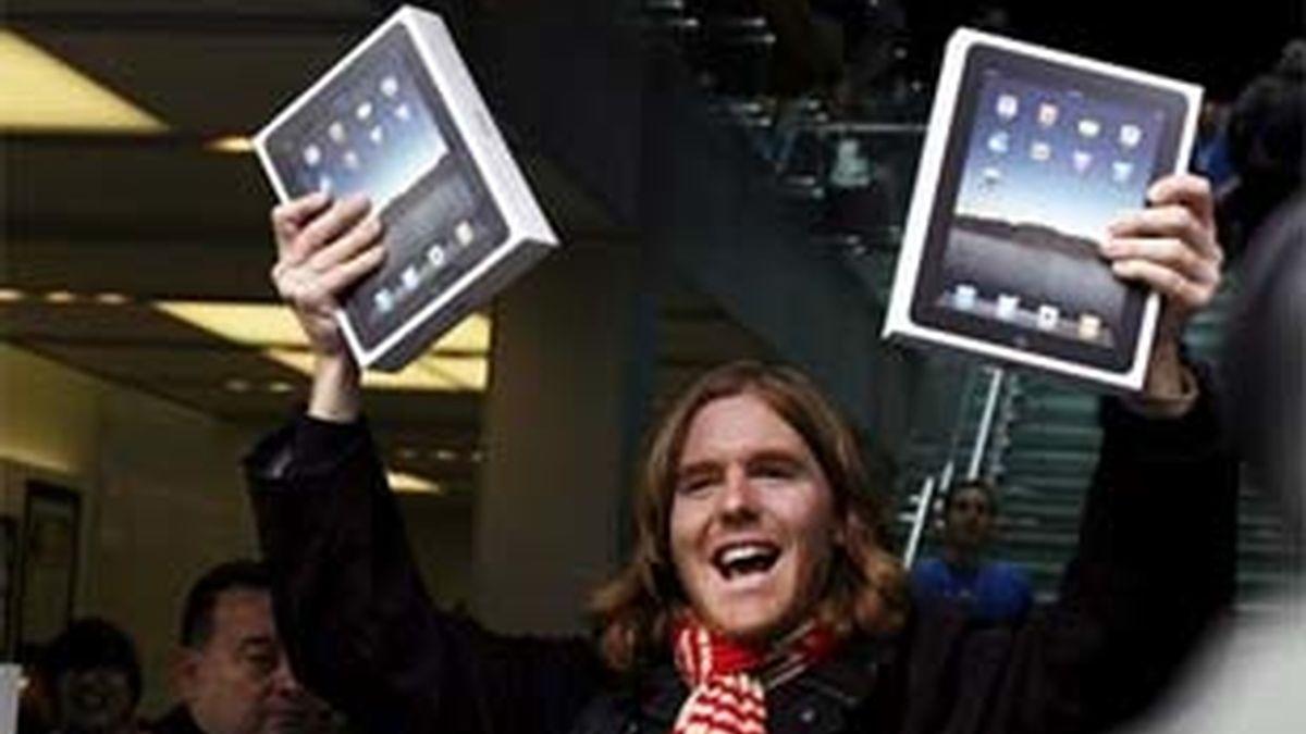 Las ventas del iPad han superado las del iPhone en su primer día. Foto: EFE