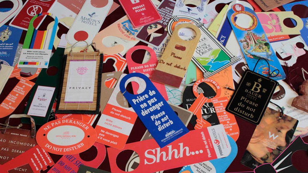 Colecciona más de 8.200 carteles de 'No molestar'
