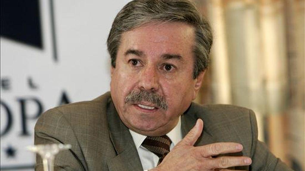 En declaraciones a Efe, el embajador peruano confirmó que partirá a Lima esta misma tarde. EFE/Archivo