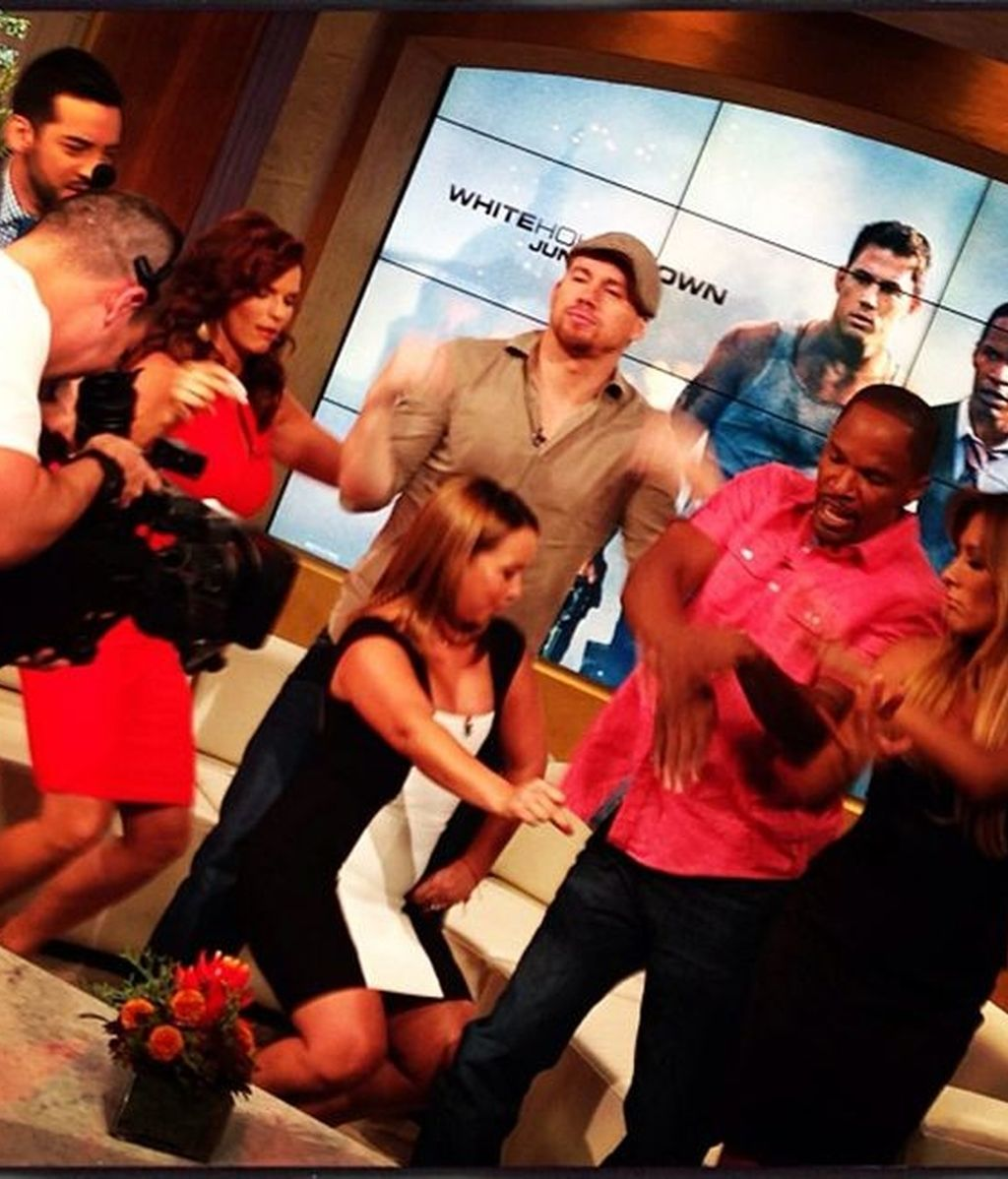¡Channing Tatum y Jamie Foxx mueven sus caderas al ritmo de salsa!