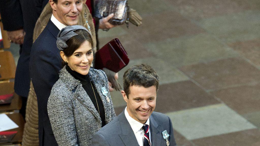 Los príncipes de Dinamarca: Joaquín, Mary, y su esposo Federico en el ayuntamiento de Copenhague