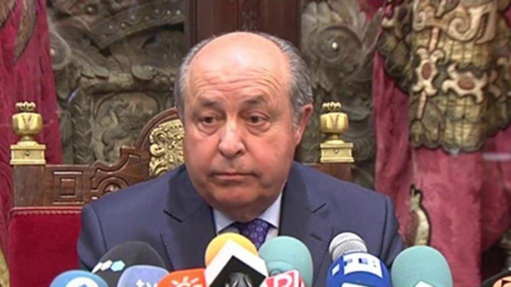 """El alcalde de Granada defiende su """"honradez"""" y no dimitirá porque """"no ha habido corrupción"""""""