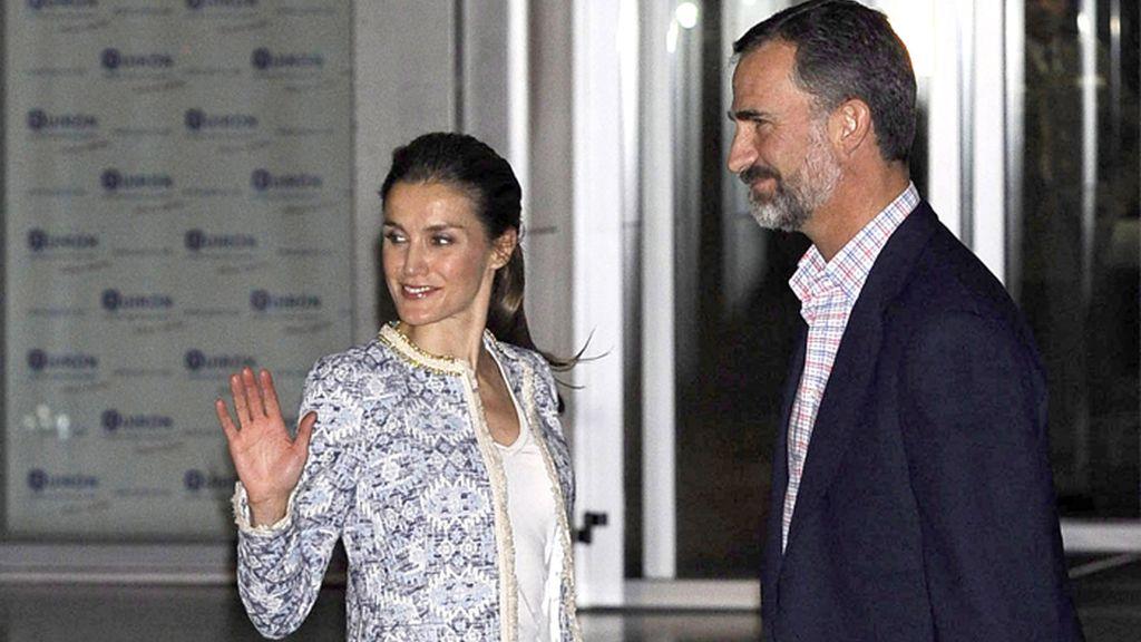 Los Príncipes de Asturias a su llegada a la Clínica Quirón