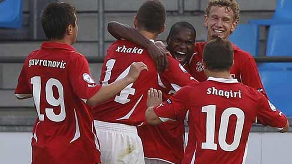 Los suizos celebrando un gol ante Islandia