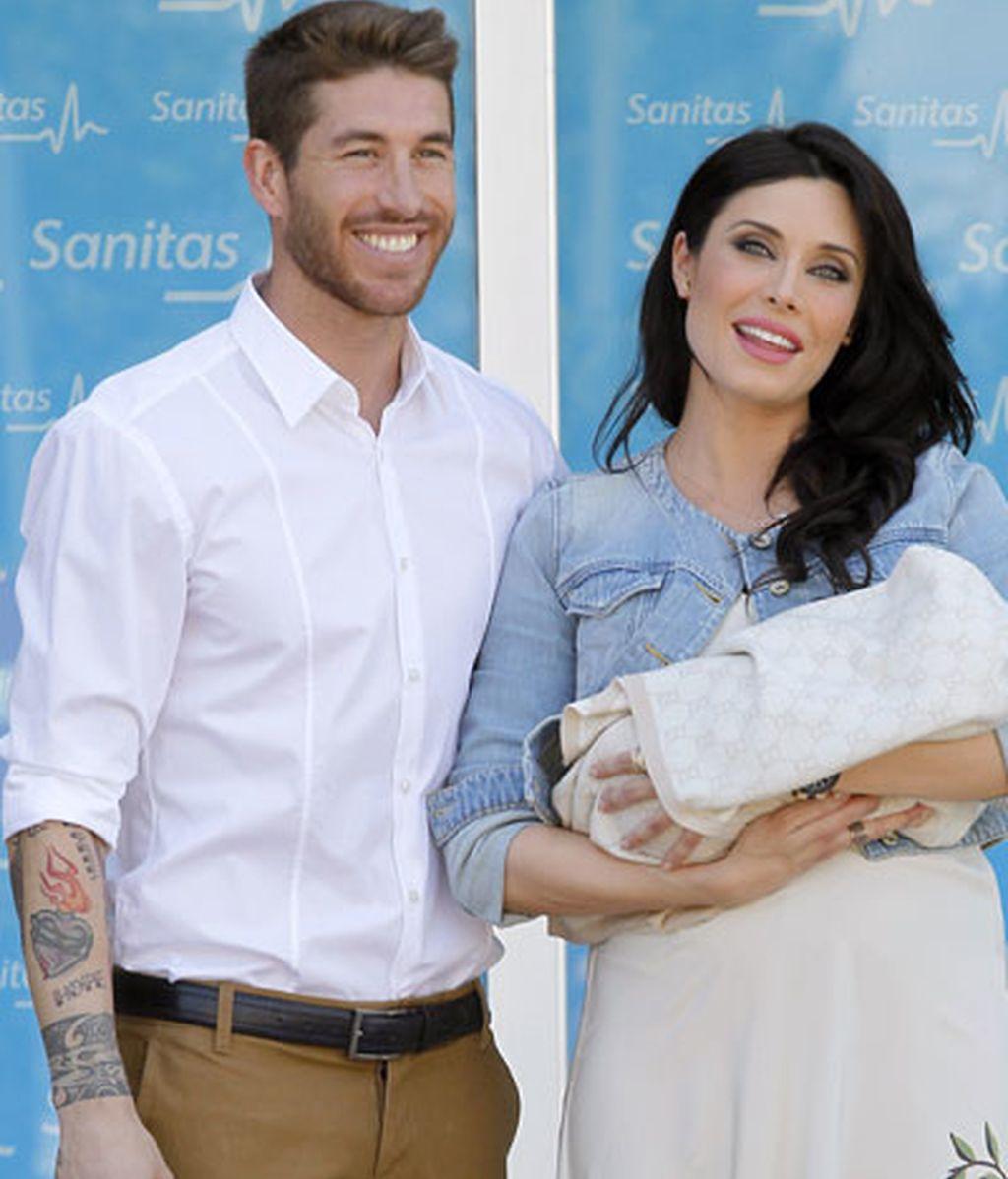 Las primeras fotos de Sergio Ramos y Pilar Rubio con su bebé