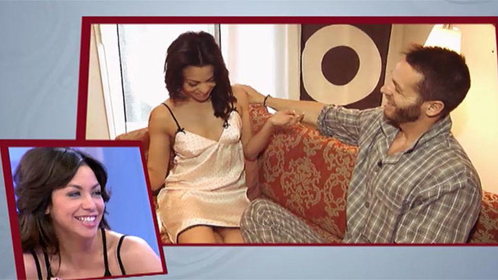 Daiana se prueba el picardías que le ha regalado Leo
