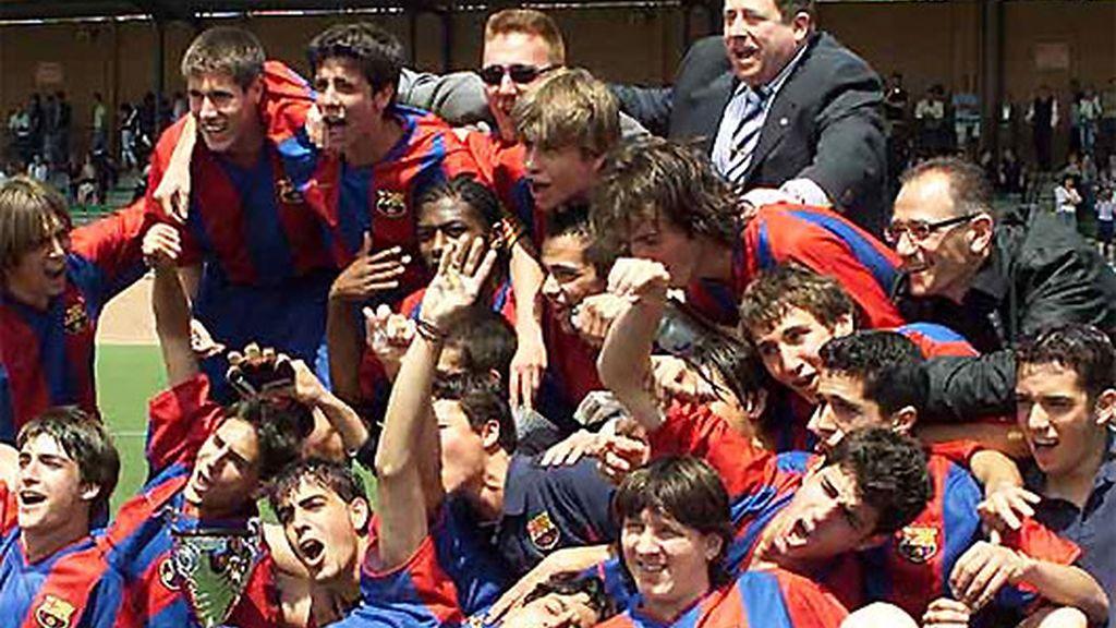 Compartió fútbol en La Masía con Cesc y Piqué