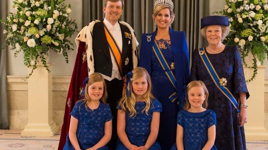 Holanda recibe a su nuevo rey: Guillermo Alejandro IV