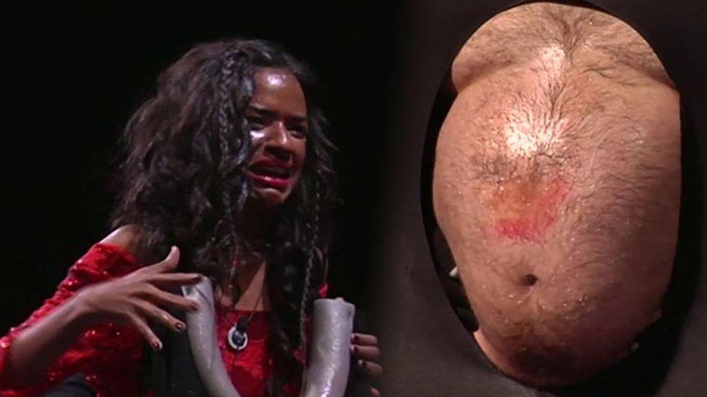 """Liz, tras restregar la cara contra la panza: """"No vuelvo a comer cerdo después de esto"""""""