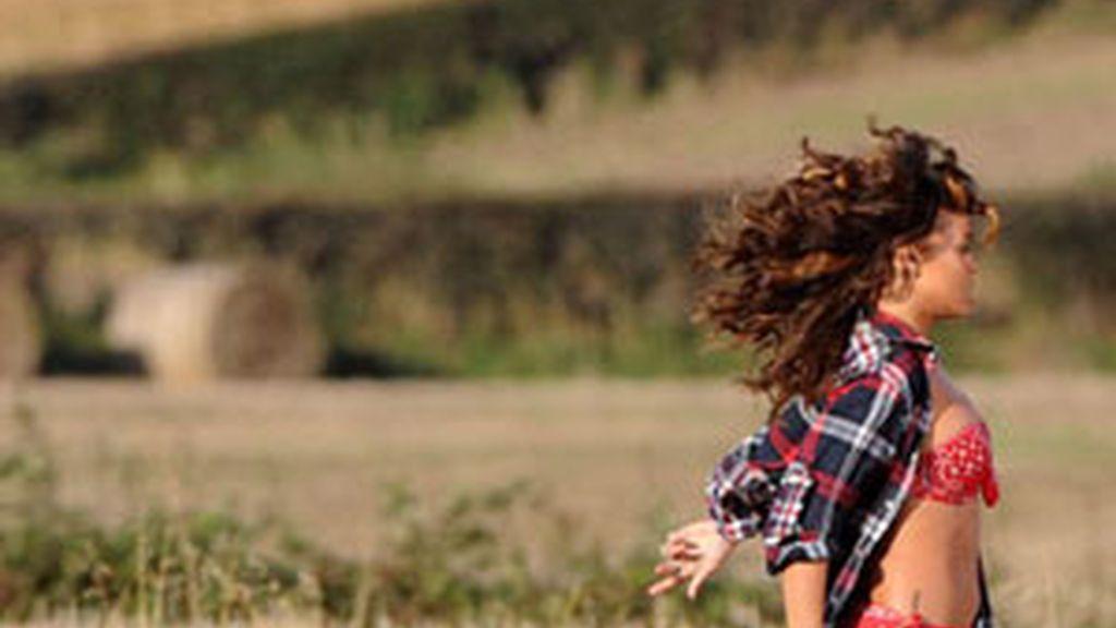 Durante el rodaje de videoclip que tuvo que interrumpir. Foto: GTRES