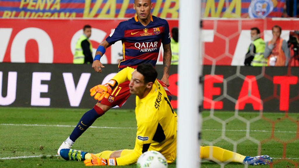 Neymar hace el gol del doblete para el Barça: gran pase de Messi que le regala el tanto