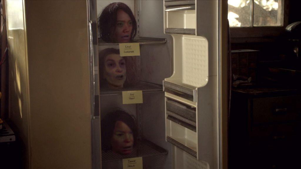 El conductor asesino colecciona las cabezas de los pecadores en su frigorífico