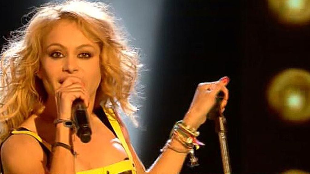 Paulina Rubio canta 'Mi nuevo vicio'