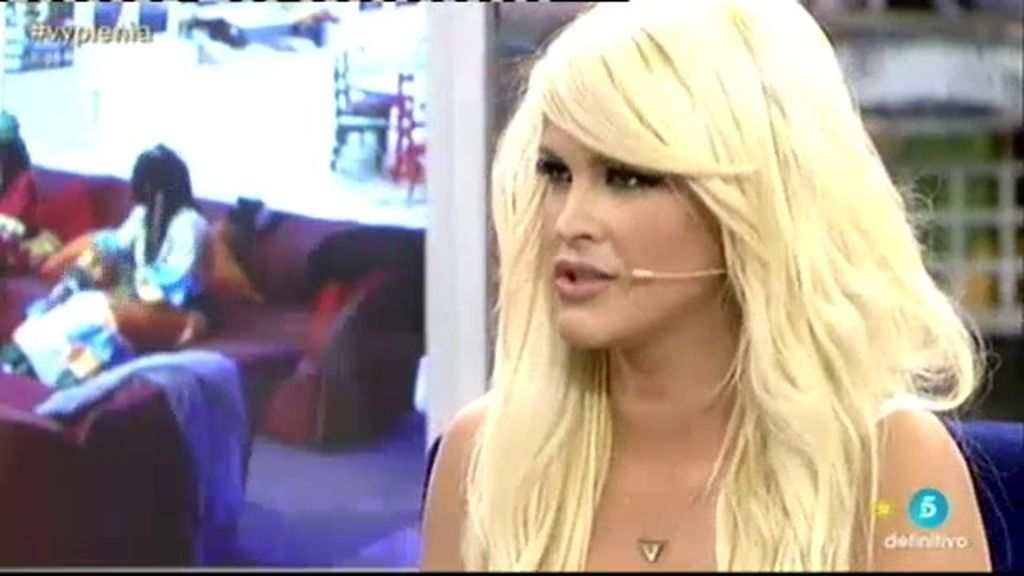 Ylenia manda 'un besito' a Core ante las acusaciones de ladrona