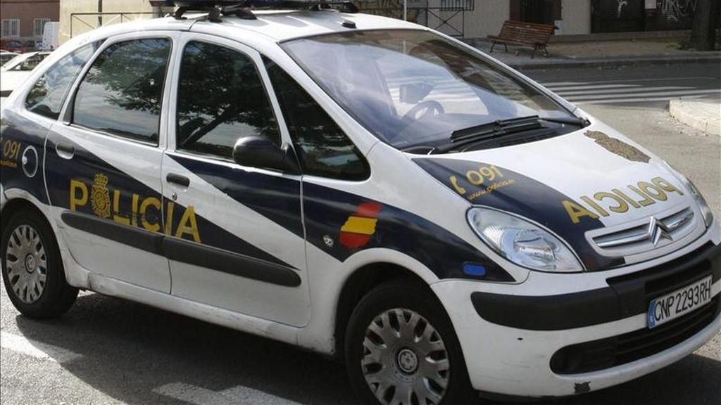 En la imagen, un vehículo patrulla de la Policía Nacional. EFE/Archivo