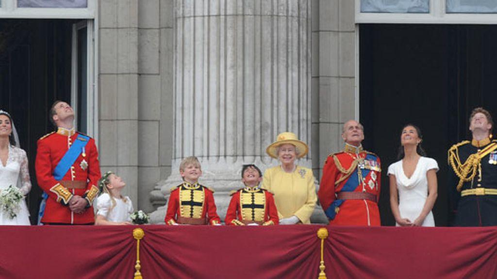 La Reina, la única que se aguanta las ganas de mirar
