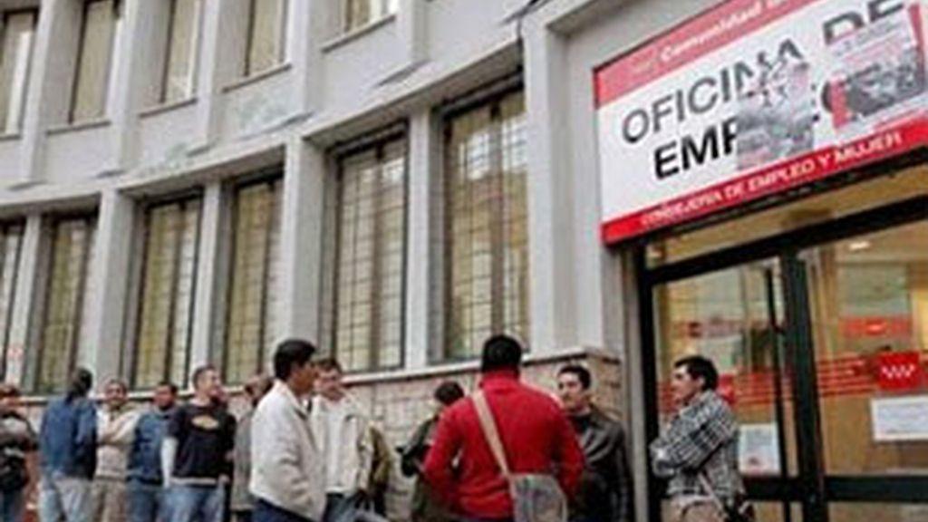 El desempleo ha experimentado un descenso porcentual del 1,62% respecto al mes de mayo. Vídeo: ATLAS