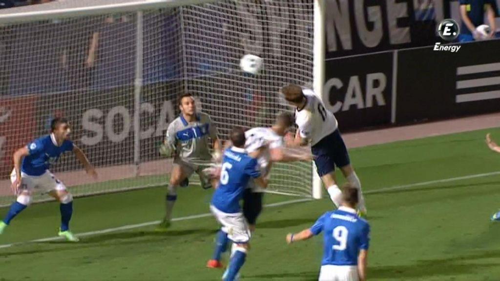 El árbitro anuló un gol a Inglaterra en el segundo tiempo.